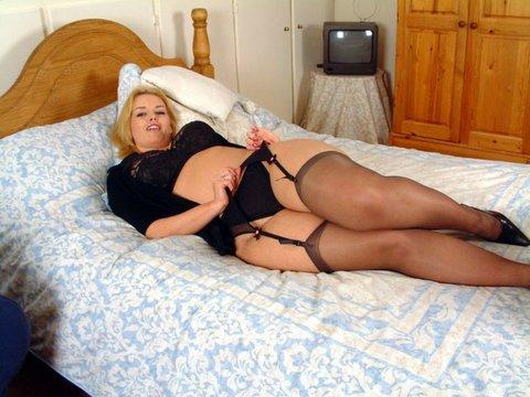 очень толстые женские ляжет в чулках фото